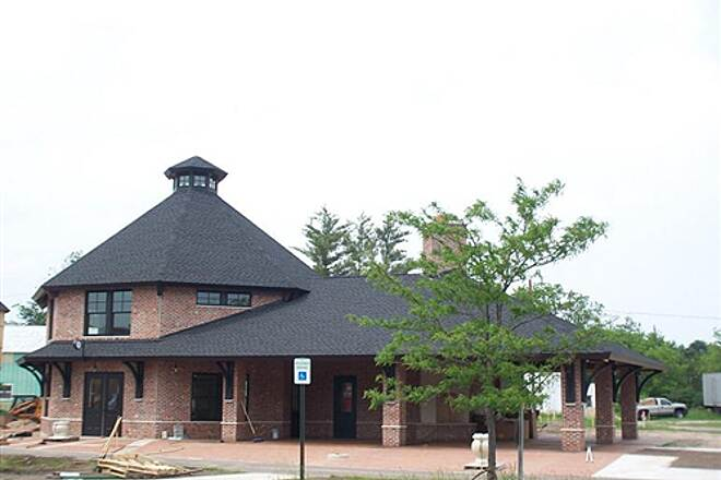 Pere Marquette State Trail   Depot in Reed City