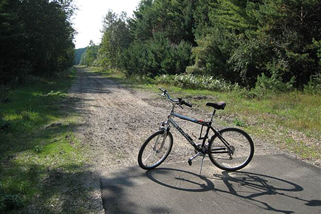 Pere Marquette State Trail Pere Marquette State Forest Trail Pavement ends 1.5 miles west of Farwell (Sept, 09)