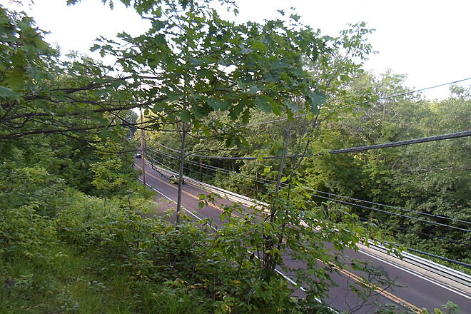 Perkiomen Trail Perkiomen Trail View atop the east wall of the RR ravine north of Collegeville. It's a straight drop down to Route 29, so be very careful when hiking up here. Taken July 2015.