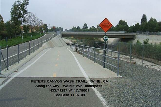 Peters Canyon Trail PETERS CANYON WASH TRAIL, Irvine, CA Love those grade-separated crossings.  High speed!