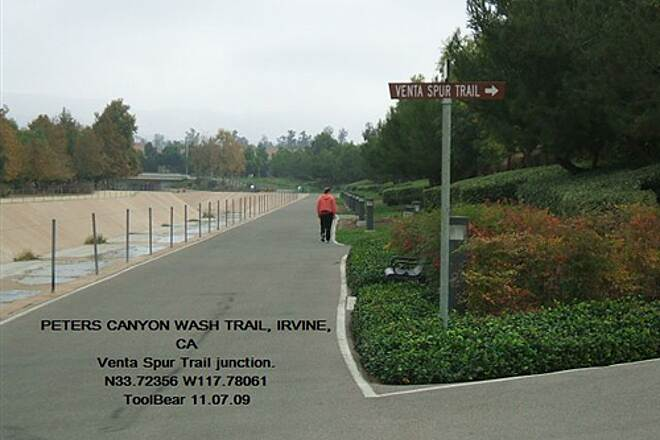 Peters Canyon Trail PETERS CANYON WASH TRAIL, Irvine, CA The Venta Spur is a lushly landscaped trail