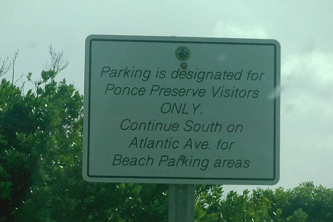 Ponce Inlet Trail Parking Sign With only a few spaces in the parking area and this sign I wonder if it is even ok to park here for trail use?