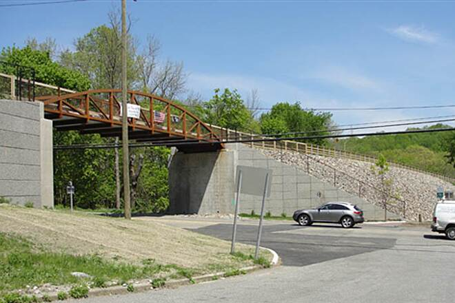 Putnam Trailway  Newly completed bridge