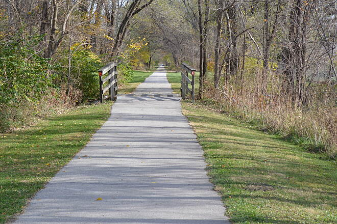 Raccoon River Valley Trail Raccoon River Valley Trail This is a destination trail that's worth your travel. Portions of the trail have a beautiful canopy that provides for a pleasant shady ride. This trail is well maintained and is in very good shape.