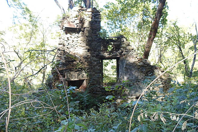 Ridley Creek State Park Trail Ridley Creek State Park Trail Located east of the junction of Forge and Old Sycamore roads, these ruins are of a stone home that was built shortly after the American Revolution and destroyed by fire in 1974.