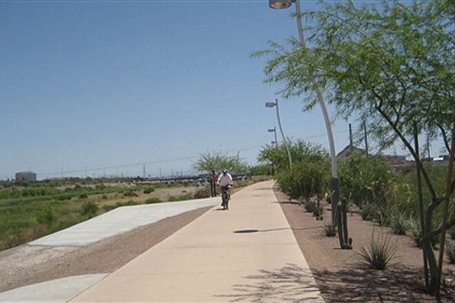 Rio Salado Pathway Salt River Trail Well maintained and landscaped trail