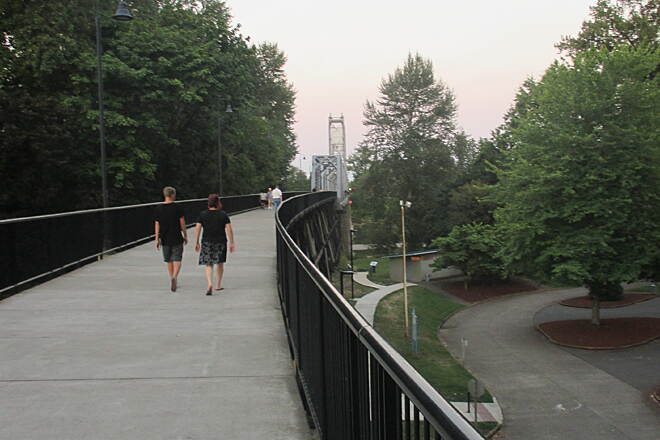 Riverfront Trail (OR) August 2014 Getting on the converted railroad trestle from West Salem