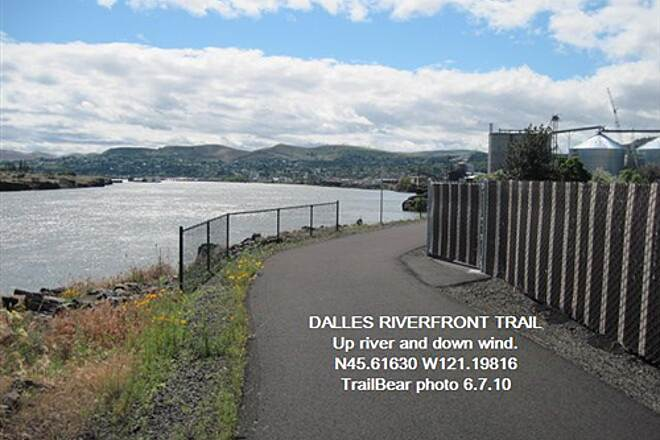 Riverfront Trail at The Dalles THE DALLES RIVERFRONT TRAIL Up river.