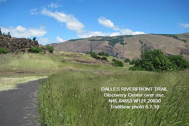 Riverfront Trail at The Dalles THE DALLES RIVERFRONT TRAIL Head up the switchbacks to the Discovery Center