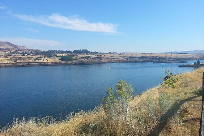 Riverfront Trail at The Dalles View across the Columbia River