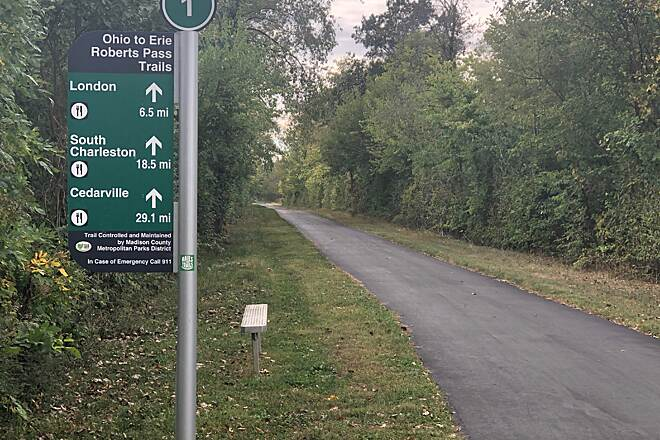 Roberts Pass Trail A Tree-lined Trip to London, Ohio Just 6.5 miles to my day's final destination in London, Ohio.  October 2019