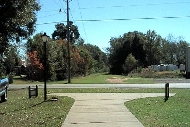 Robertsdale Trail Southward Expansion? South end of trail looking South. Grade continues down to Foley.