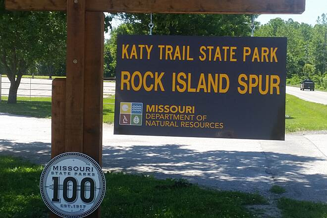 Rock Island Spur of Katy Trail State Park Katy Trail Rock Island Spur Pleasant Hill,  Mo. Trailhead has plenty of parking for cars and Horse trailers.  It's also the site used for the Cass County fair.