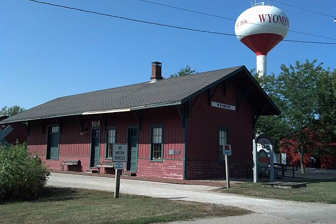 Rock Island Trail (IL) Train station in Wyoming