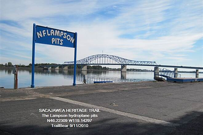 Sacagawea Heritage Trail SACAGAWEA HERITAGE TRAIL It's a river; it's a hydroplane course.