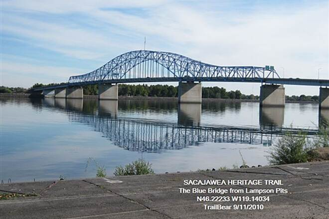Sacagawea Heritage Trail SACAGAWEA HERITAGE TRAIL They have some nice bridges - and you can ride this one.