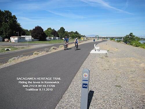 Sacagawea Heritage Trail SACAGAWEA HERITAGE TRAIL The levees make for a pleasant ride.