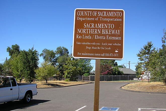Sacramento Northern Bikeway Sac Northern Bikeway Rio Linda/Elverta parking lot. End of trail heading north.