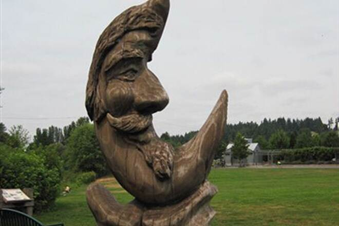Sammamish River Trail SAMMAMISH RIVER TRAIL The Salmon Man at Wilmot Gateway