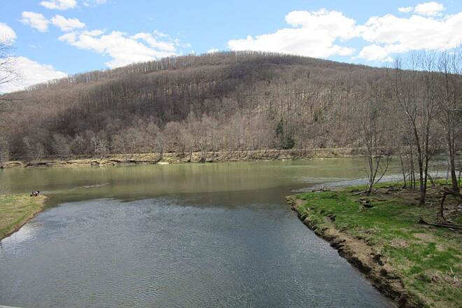 Sandy Creek Trail Allegheny River Allegheny River near Fishermans Cove-April 2015