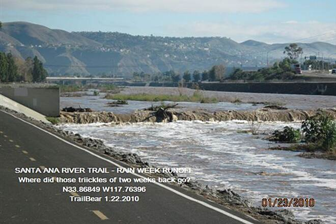 Santa Ana River Trail SANTA ANA RIVER TRAIL - YORBA TO KATELLA Prado Dam has been releasing water from above.