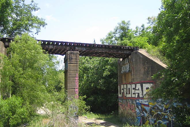 Santa Fe Trail (Dallas) The graffiti used to be good 2005