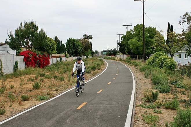West alton avenue bike trail