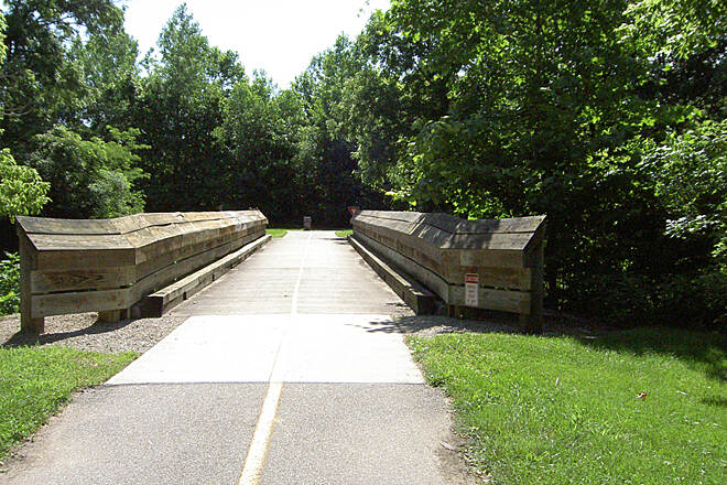 Shaker Trace Trail Outer Loop June 2015 Counterclockwise, intersection with inner loop at bridge over Dry Fork Creek