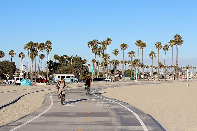 Shoreline Pedestrian Bike Path Long Beach