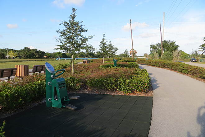 Snake Creek Trail Snake Creek Trail Trail amenities include an impressive variety of fitness stations