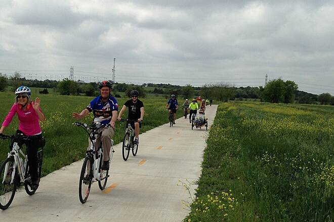Southern Walnut Creek Trail Good for groups!