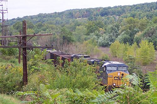 Stavich Bicycle Trail Stavich Bicycle Trail - OH CSX Train Passing By - Fun !