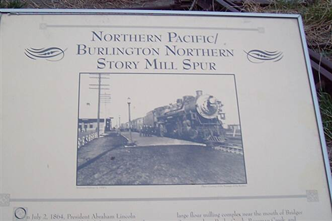 Story Mill Spur Story Mill Spur Plaque with Story