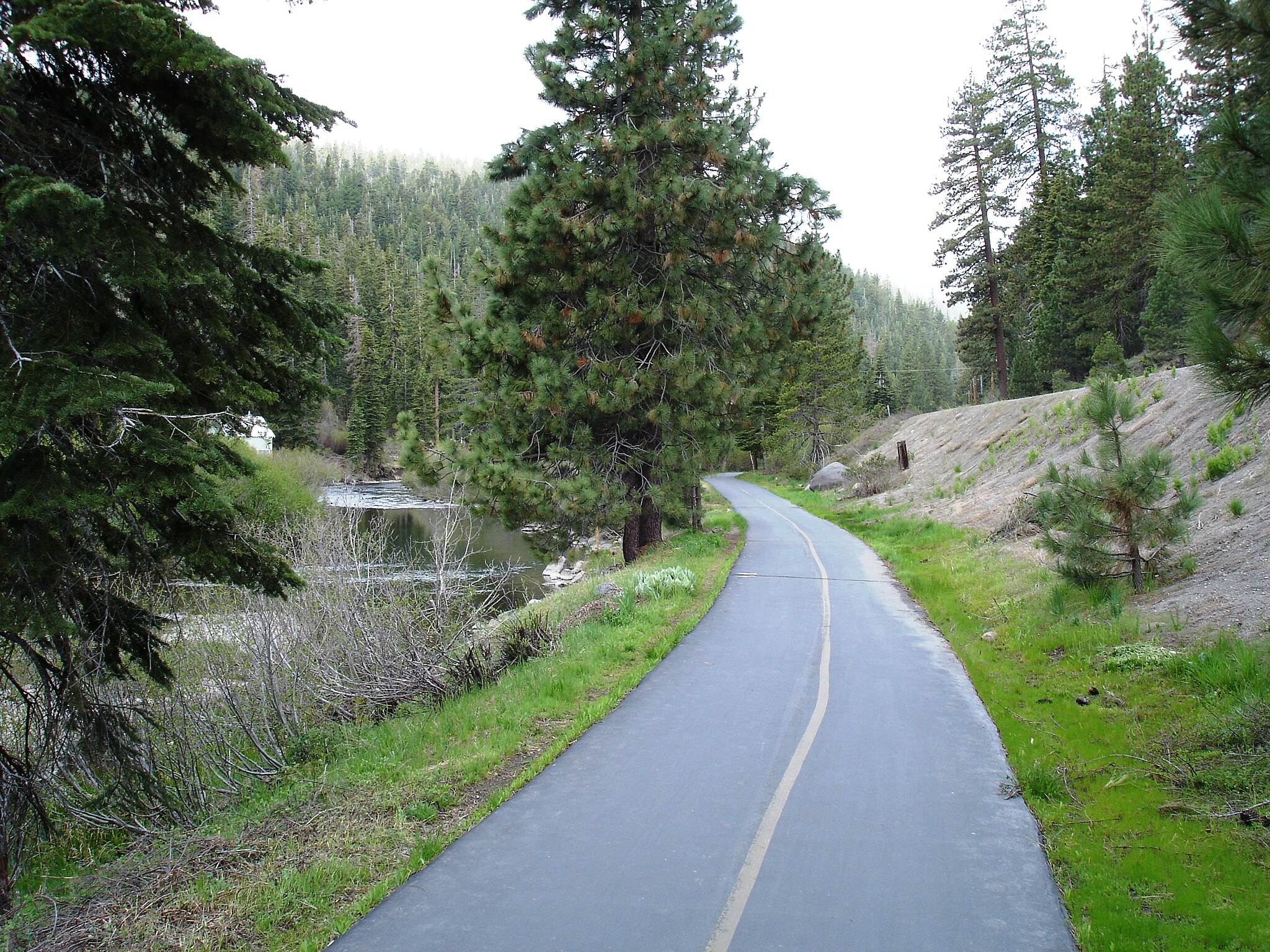 Tahoe Trailways Bike Path   The Truckee River Bike Trail is part of a 19-mile paved trail network along the western and northern shores of Lake Tahoe.