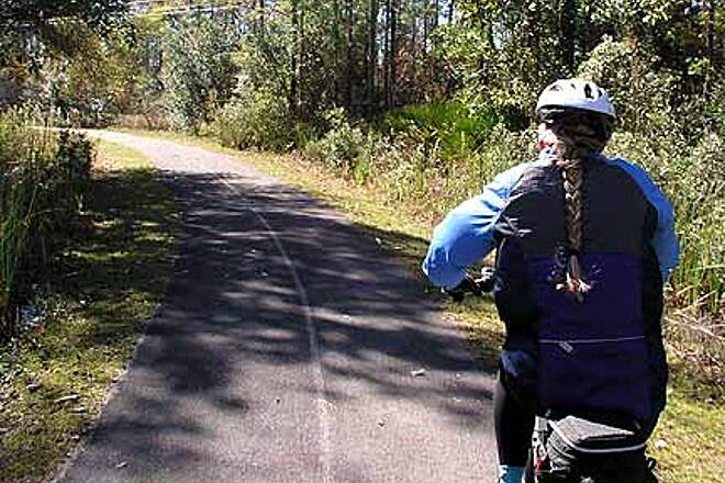 Tallahassee-St. Marks Historic Railroad State Trail One of the few if only curve(s)