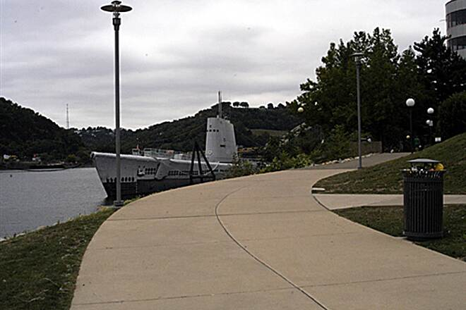 Three Rivers Heritage Trail North Shore Trail (part of the Three Rivers Heritage Trail) This path takes you past the 09/12/2009 Carnegie Science Center and this World War II submarine.