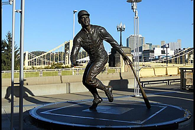 "Three Rivers Heritage Trail North Shore Trail  ""Roberto Clemente statue"" - The trail passes in front of PNC Park, home of the Pittsburgh Pirates. A ride around the park features statues of the Pirate's greats Honus Wagner, Bill Mazeroski, Roberto Clemente and Willie Stargell."