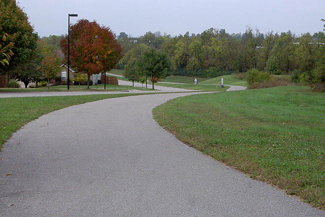Town Branch Trail (KY) Long Branch Ln Oct 2014 Down slight, sweeping grade along Long Branch Ln
