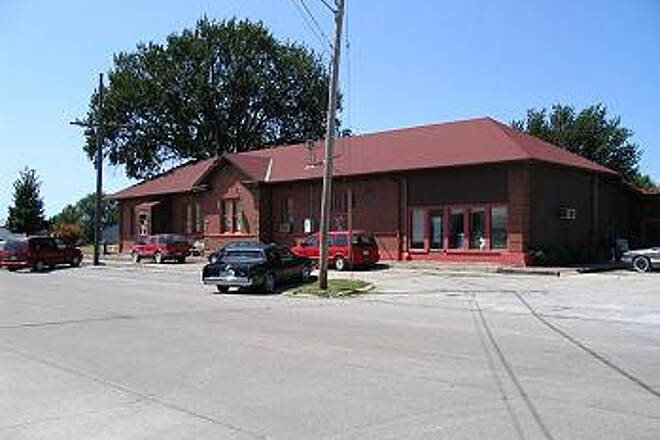 Wabash Trace Nature Trail Depot Deli in Shanandoah This is next to Railroad Avenue by other railroad tracks in Shanandoah. Great food and great service.