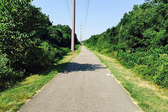 WB&A Trail WB&A trail A stretch along the tall power poles. Lots of sun here.