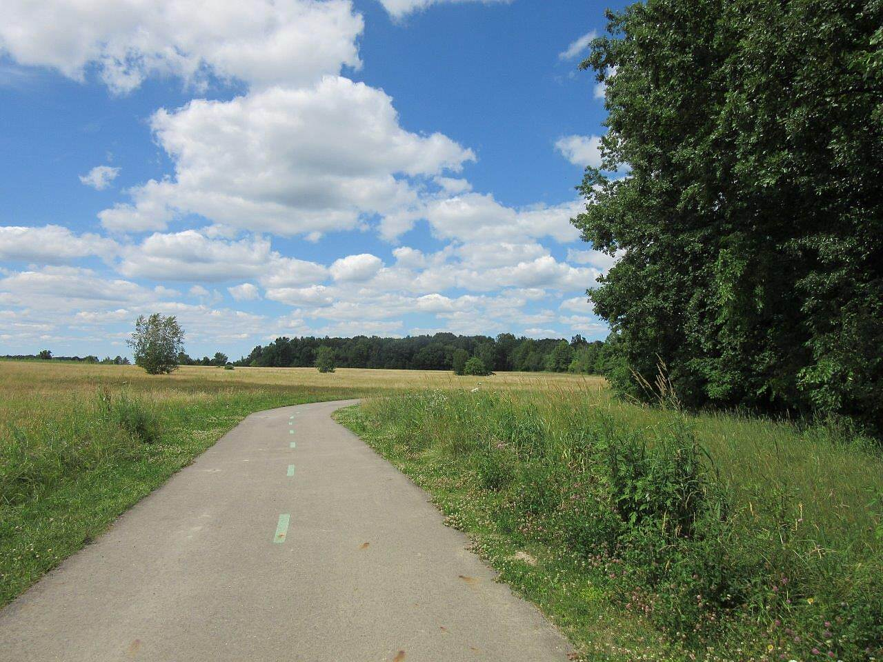 Western Reserve Greenway Beautiful open trail! Some sections of the trail run through fields and enjoy the sunshine!