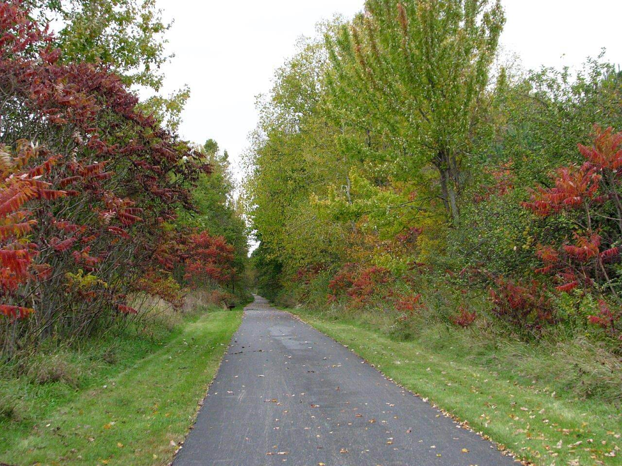 Western Reserve Greenway North Bloomfield North Bloomfield heading North